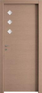 דלתות פנים 3 צוהר מעויין 15X15 צד ידית אלון מולבן